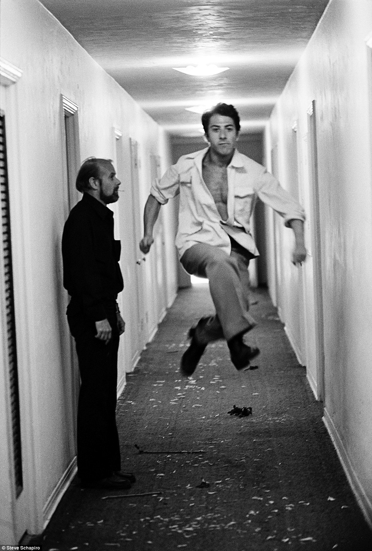 Dustin Hoffman em Lenny (1974)